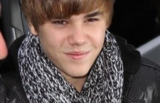 Justin Bieber Sings Home for the Holidays with Little Sister Jazzy, Video
