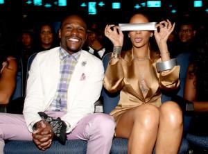 Rihanna Taped Mayweather's Mouth: An Internet Sensation
